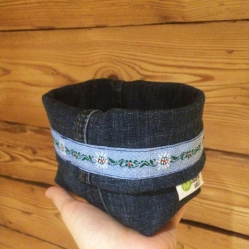 Utensilo aus einer alten Jeans